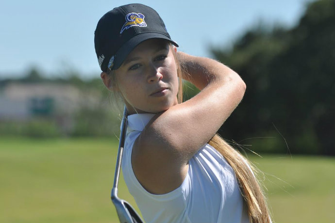 Image of Texas Wesleyan women's golf player Jaci Trotter in competition