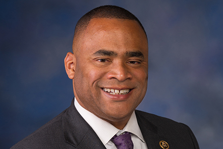 Congressman Marc Veasey '95, will be the keynote speaker for Texas Wesleyan University's Fall Commencement Ceremony at 10 a.m. Saturday, December 16, in the MacGorman Chapel at Southwestern Baptist Theological Seminary in Fort Worth.