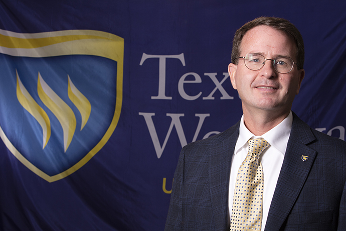 Music Professor at Texas Wesleyan, Paul Sikes Headshot