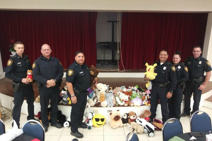 The Fort Worth Police Department east division came to pick up the bears that were collected in this year's bear hunt (2018). The drive was very successful in collecting over 150 bears.