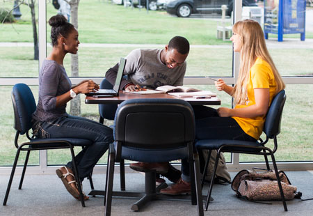 Students study at Texas Wesleyan University.
