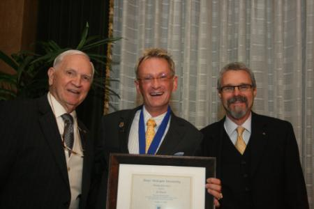 photo from 2010 medal dinner - joe brown honorary alum recipient