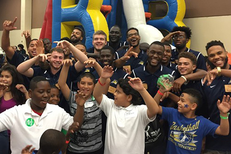 For the second year in a row, the Texas Wesleyan University men's basketball participated in Central Market's Feast of Sharing.
